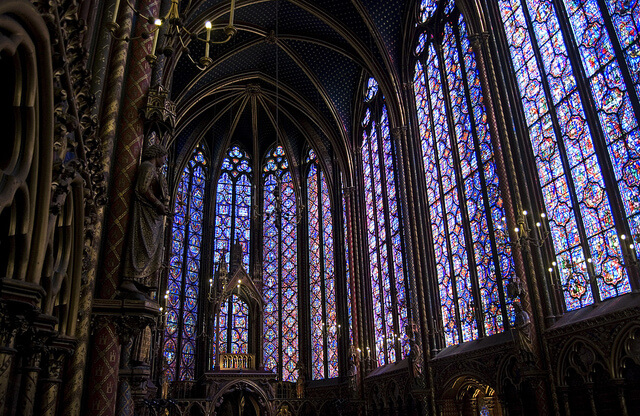 Sainte Chapelle Stained Glass Window Undergoes Laser